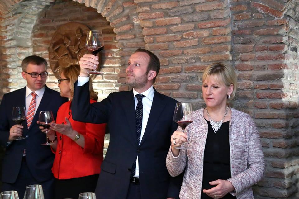 ღვინის მასტერკლასი ქართველი ელჩების მეუღლეებისათვის